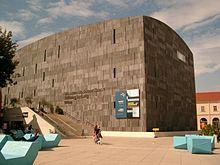 220px-Museum_Moderner_Kunst_Stiftung_Ludwig_Wien